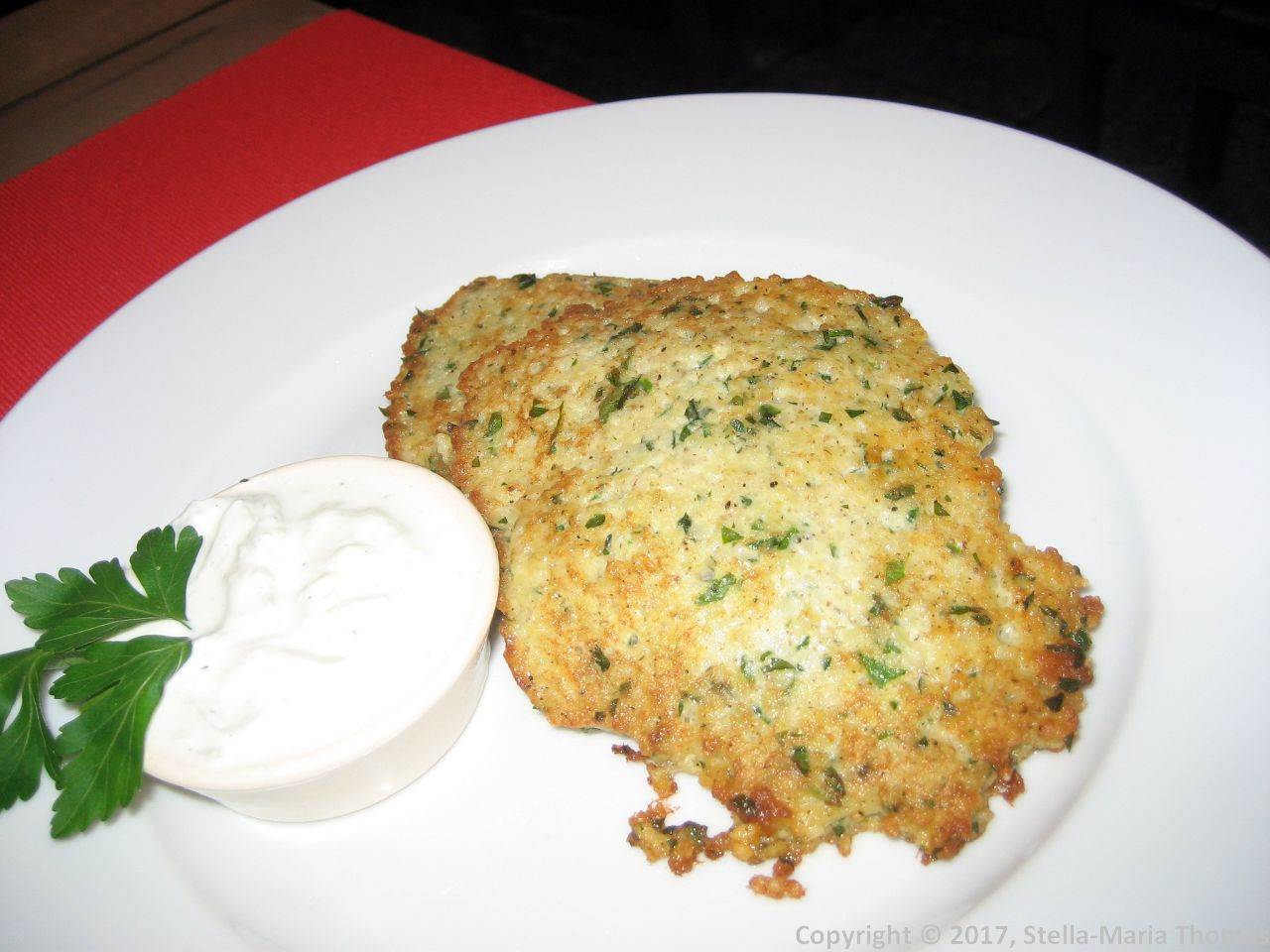 DOBRZ KASZA NASZA, MILLET PANCAKES WITH YOGURT, GARLIC AND CUCUMBER SAUCE 005