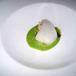 WENTZL, SCALLOPS, GREEN PEA SAUCE, PUMPERNICKEL POWDER 006