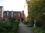 HULL, MUSEUM QUARTER AND GUILDHALL, GARDENS 004