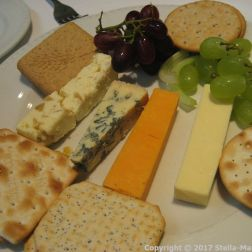 PRIDE OF HULL, THE BRASSERIE - CHEESE AND BISCUITS 010
