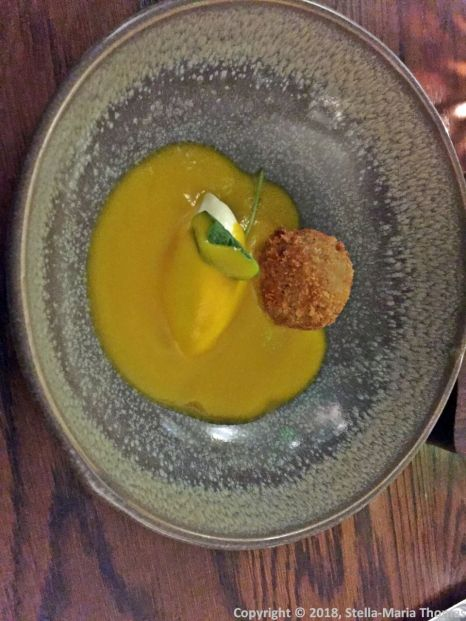 THE OXFORD KITCHEN, TRUFFLED ARANCINI, NUTS AND SEEDS, CREME FRAICHE, BUTTERNUT SQUASH VELOUTE 007