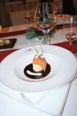 6th-gwa---dresden-restaurant-maurice-warm-elderberry-soup-with-panna-cotta-002_3095753509_o