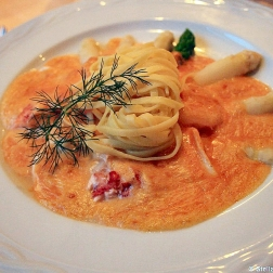 adler-asparagus-with-lobster-and-spaghetti-002_3617360193_o