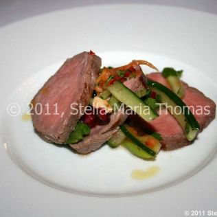artisan-may-2011---salad-of-beef-papaya-pomegranate-and-spring-onion-with-sweet-chilli-dressing-004_5752182050_o