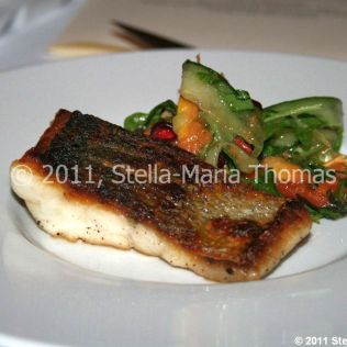 artisan-may-2011---salad-of-seabass-papaya-pomegranate-and-spring-onion-with-sweet-chilli-dressing-005_5752182392_o