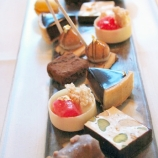 birthday-lunch-le-manoir-petit-fours-13th-february-2008-002_2265730752_o