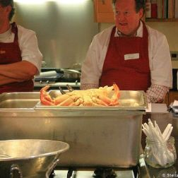 cookery-school-le-manoir-aux-quatsaisons-preparing-crab-003_3717612799_o