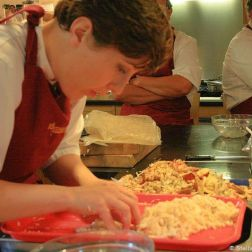 cookery-school-le-manoir-aux-quatsaisons-preparing-crab-006_3717613521_o