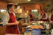cookery-school-le-manoir-aux-quatsaisons-preparing-scallops-001_3718428734_o