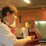cookery-school-le-manoir-aux-quatsaisons-preparing-scallops-002_3718428940_o