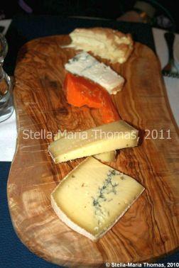 eat-at-23-brackley---cheese-board-006_5421103550_o
