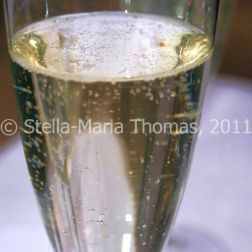 eat-at-23-sunday-lunch---prosecco-004_5442992252_o