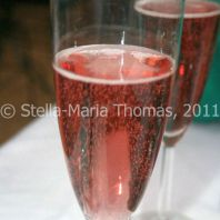 eat-at-23-sunday-lunch---rose-prosecco-010_5442994136_o