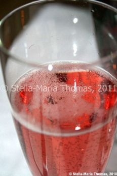 eat-at-23-sunday-lunch---rose-prosecco-012_5442994642_o