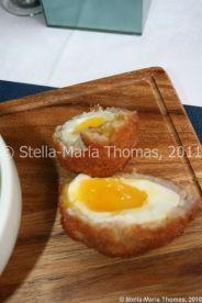 eat-at-23-sunday-lunch---scotch-egg-007_5442388427_o