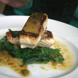 eat-at-23-sunday-lunch---sea-bream-with-spinach-and-lemon-caper-sauce-005_5442992580_o