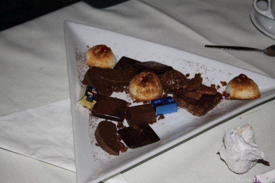 ELSIE'S BINNER, CHOCOLATES AND PETIT FOURS 011