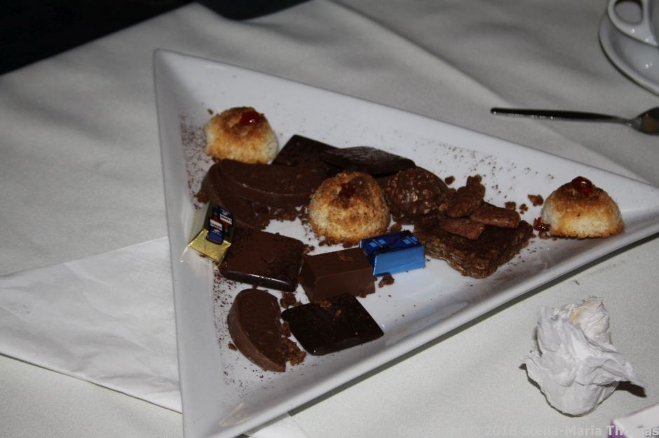 ELSIE'S BINNER, CHOCOLATES AND PETIT FOURS 011