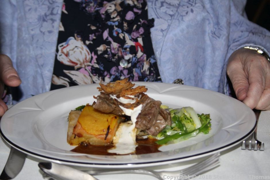 ELSIE'S BINNER, COMPLIMENET IF BEEF, ROOT VEGETABLE DAUPHINOISE, HORESRADISH CREME FRAICHE, SAUTEED GREENS 003