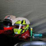 helmets-grubmuller-van-der-zande-001_3932832072_o