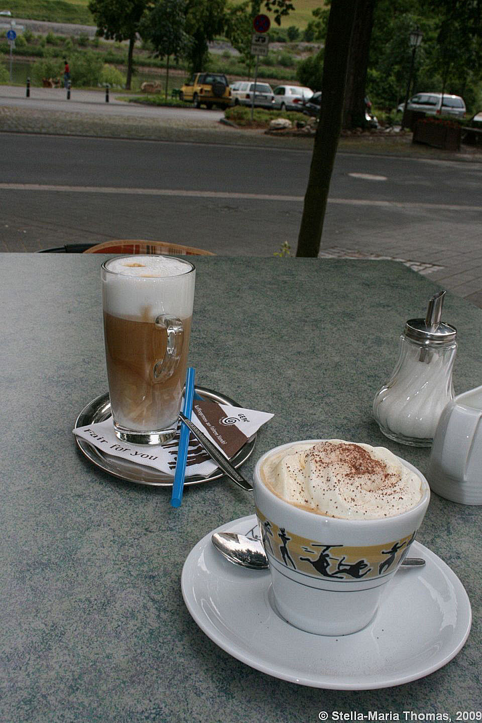 kaffee-pause-in-zeltingen-rachtig-cafe-latte-and-wiener-melange-001_3618252297_o