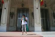 kendra-abay-on-the-palace-steps-001_2797825780_o