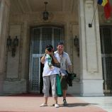 kendra-abay-on-the-palace-steps-002_2796980243_o