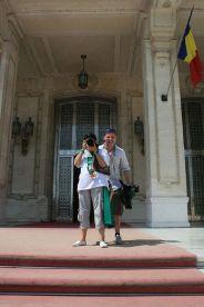 kendra-abay-on-the-palace-steps-002_2796980243_o