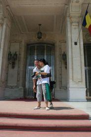 kendra-abay-on-the-palace-steps-003_2796980491_o