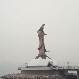 kun-iam-statue-001_60981150_o
