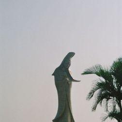 kun-iam-statue-001_71707514_o