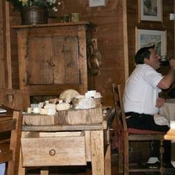les-roches-fleuries---cheese-001_2342893246_o