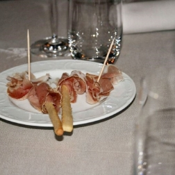 les-roches-fleuries---ham-breadsticks-001_2342064987_o