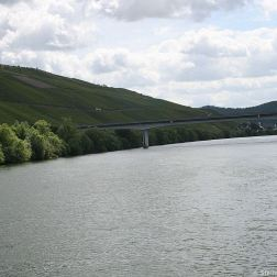 mosel-from-zeltingen-rachtig-to-traben-trarbach-067_3618295664_o