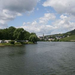 mosel-from-zeltingen-rachtig-to-traben-trarbach-102_3618309786_o