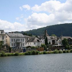 mosel-from-zeltingen-rachtig-to-traben-trarbach-129_3618322012_o