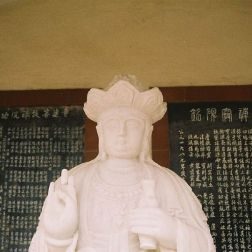 pou-tai-un-monastery-023_65672741_o