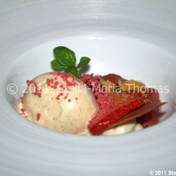 roger-hickmans-restaurant---poached-strawberries-with-honeycomb-and-clotted-cream-ice-cream-013_5721721843_o