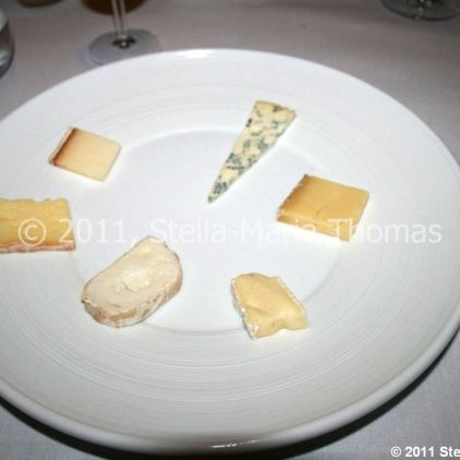 roger-hickmans-restaurant---selection-of-cheese-010_5721720957_o