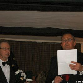 the-roade-house-burns-night-2010---addressing-the-haggis-016_4300593773_o