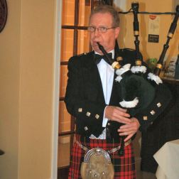 the-roade-house-burns-night-2010---piper-003_4301343326_o