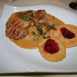 zeltinger-hof-venison-with-cream-sauce-and-cranberries-010_3619019588_o