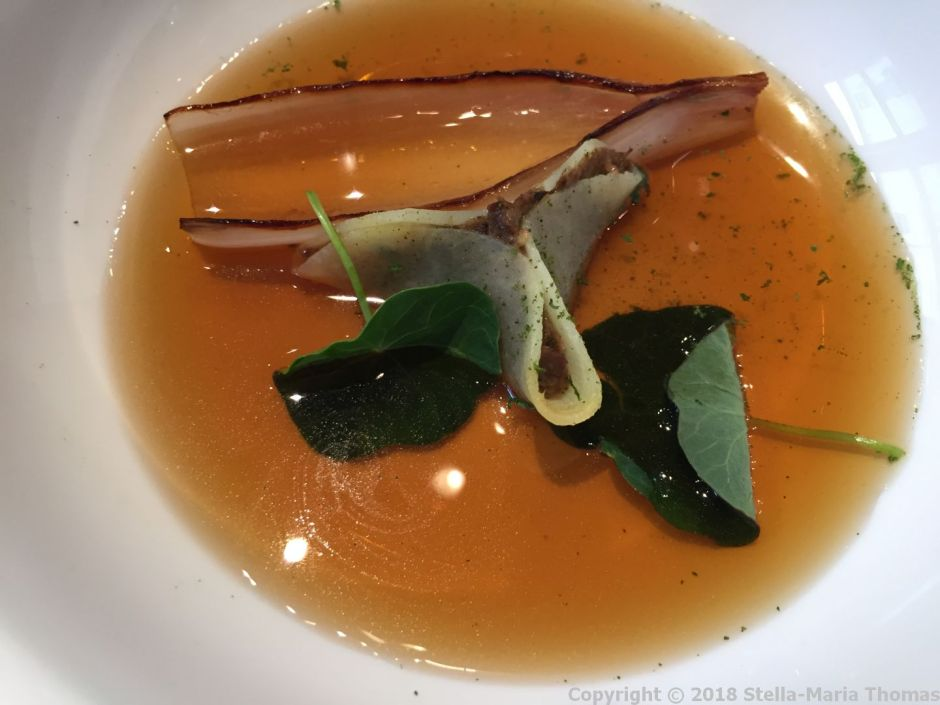 LAUNCESTON PLACE, BEEF CONSOMME, OXTAIL, BURNT ONION 008