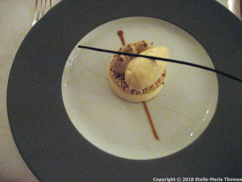 CHATEAU D'ETOGES, MENU GOURMANDE, VANILLA MOUSSE, COFFEE MILK, BLOND CHOCOLATE, PUFFED QUINOA 014