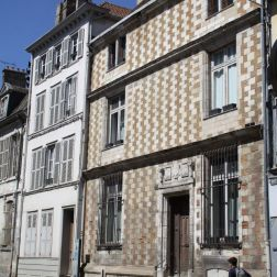 TROYES 042