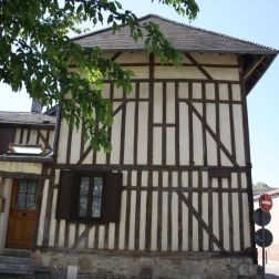 TROYES 098