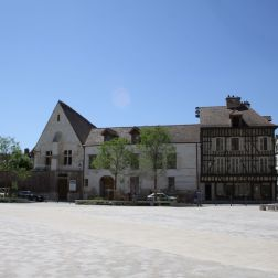 TROYES 141