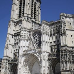 TROYES 145