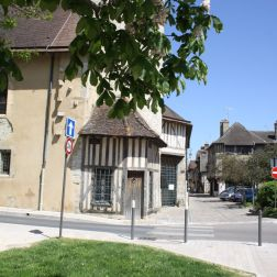 TROYES 150