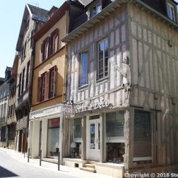 TROYES 226